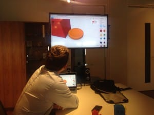 Gordon explaining how he created his 3D model in Tindercad