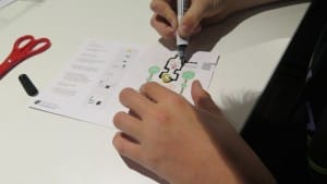 Using conductive ink to link the circuit