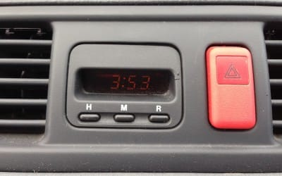 Repairing a Honda CR-V dashboard clock