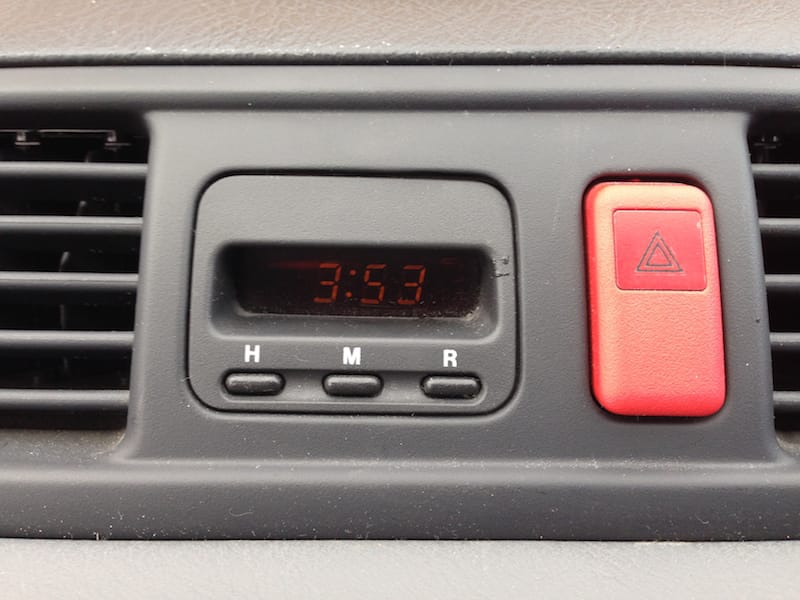 Repairing a Honda CR-V dashboard clock