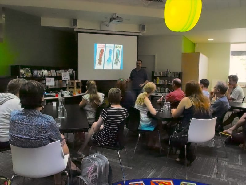 Gil teaching at Wodonga Library